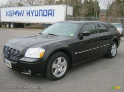 DODGE MAGNUM AWD black