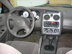 DODGE STRATUS interior