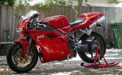DUCATI 996 red