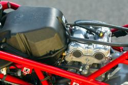 DUCATI 999 R engine