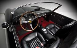 FERRARI CALIFORNIA 250 interior