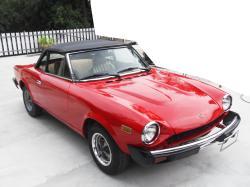 FIAT 124 1200 red