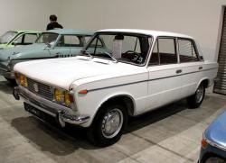 FIAT 125 white