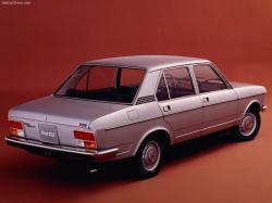 FIAT 132 red