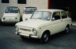 FIAT 850 BERLINA red