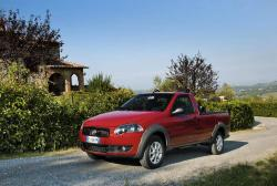 FIAT STRADA red