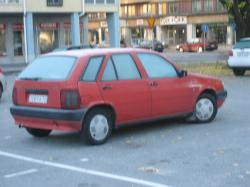 FIAT TIPO red