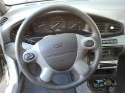 FORD ASPIRE interior