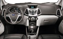 FORD ECO SPORT green