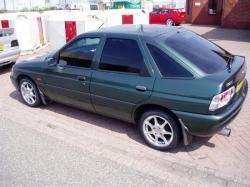 FORD ESCORT 1.6 I 16V brown