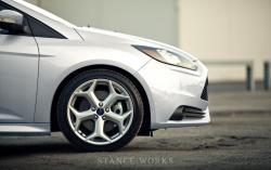 FORD FOCUS ST white