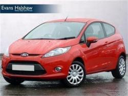 FORD FUSION 1.25 red