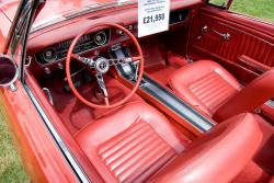 FORD MUSTANG 289 interior