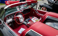 FORD THUNDERBIRD interior
