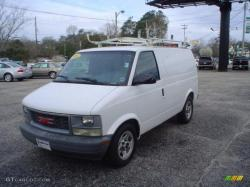GMC SAFARI VAN white