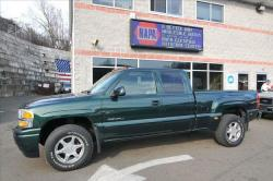 GMC SIERRA green