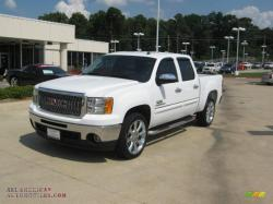 GMC SIERRA white