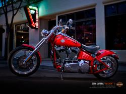 HARLEY-DAVIDSON SOFTAIL red