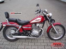 HONDA 125 REBEL red
