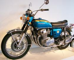 HONDA 750 blue