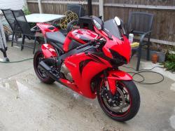 HONDA CBR1000RR red