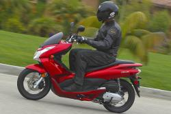HONDA PCX red