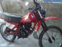 HONDA XL 125 red