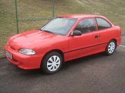 HYUNDAI ACCENT 1.3 red
