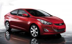 HYUNDAI ELANTRA AT red