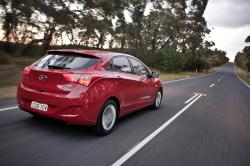 HYUNDAI I 30 red