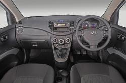 HYUNDAI I10 1.1 interior