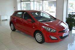 HYUNDAI I30 red