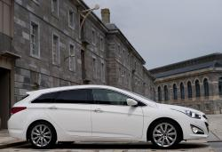 HYUNDAI I40 AT white