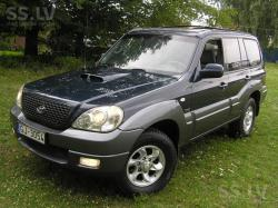 HYUNDAI TERRACAN green