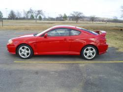 HYUNDAI TIBURON red