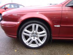 JAGUAR X-TYPE 2.0 D red