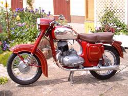 JAWA 250 CALIFORNIA red