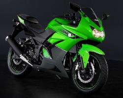 KAWASAKI NINJA 250R green