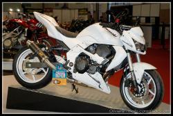 KAWASAKI Z750 white