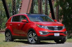 KIA SPORTAGE red