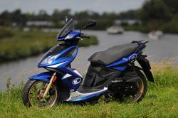 KYMCO SUPER 8 blue