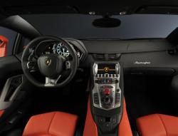 LAMBORGHINI AVENTADOR 700-4 interior