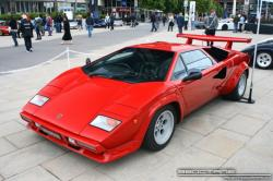 LAMBORGHINI COUNTACH red