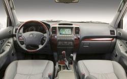 LEXUS 470 GX interior
