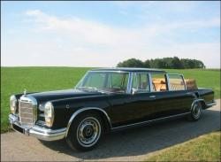 MERCEDES-BENZ 600 LANDAULET black