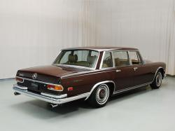 MERCEDES-BENZ 600 brown