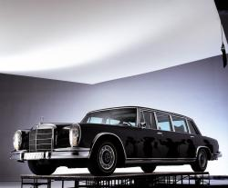 MERCEDES-BENZ 600 green