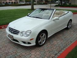 MERCEDES-BENZ CLK white