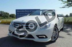 MERCEDES-BENZ E 220 white