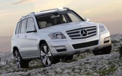 MERCEDES-BENZ GLK white